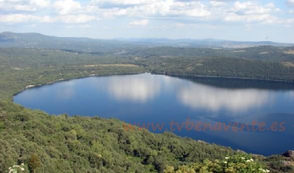 A estudio los elementos de calidad de las algas para evaluar el estado ecológico del lago de Sanabria