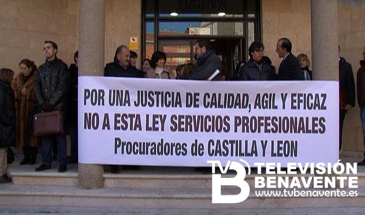 Movilizaci n ante los juzgados de benavente en contra la for Juzgado de benavente