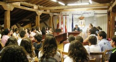 Alumnos portugueses visitan el Ayuntamiento de Benavente