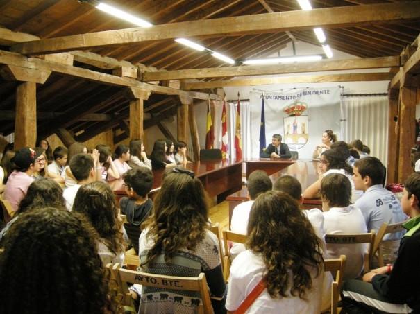 Alumnos portugueses en el ayuntamiento de benavente