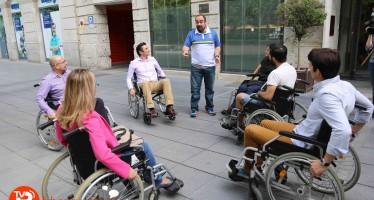 Una veintena de empresarios vive la discapacidad en primera persona