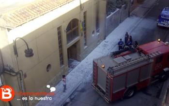 Incendio en la fachada de un pub de Benavente