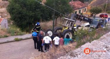 Fallece un varón al volcar un tractor en la localidad de Toro