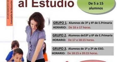 Inscripciones al aula de apoyo al estudio en el ayuntamiento de la Plaza del Grano de Benavente