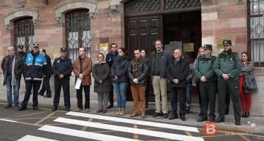 Benavente se suma a un minuto de silencio por el atentado contra la embajada española en Kabul