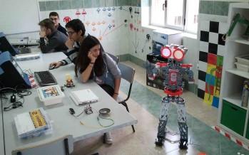 Compartiendo las aulas con los robots en el Virgen de la Vega de Benavente