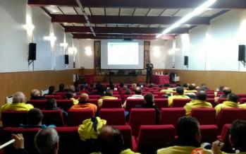 80 personas asisten a la jornada de formación sobre el plan de mejora municipal en Benavente