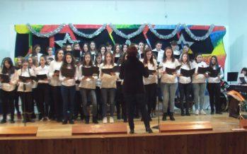 Festival Navideño con interpretaciones musicales del IESO Los Sauces.
