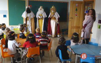 VIDEO: Los Reyes Magos visitan el Colegio Virgen de la Vega