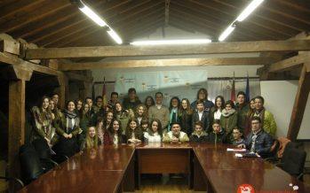 """Los alumnos de 3º del IES """"Los Sauces"""" felicitan la Navidad al Alcalde"""
