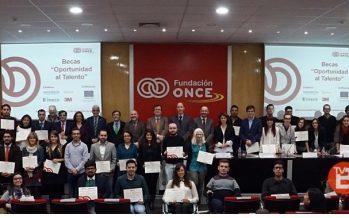 Tres estudiantes de Castilla y León becados por la Fundación ONCE