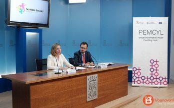 La Junta refuerza el programa 'Empleo Mujer' para llegar a más mujeres vulnerables