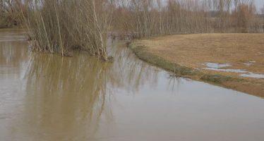 El río Esla se encuentra en estado de alerta a su paso por Castropepe