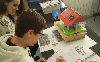"""GALERÍA: Los alumnos de """"La Vega"""" estudian la radiactividad de Benavente"""