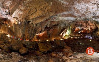 La Cueva de Valporquero ha recibido más de 10.600 personas desde su apertura