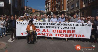 VIDEO: Manifestación por el cierre de la planta del Hospital en Benavente