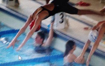 Nasta Salvador, primera nadadora benaventana en el Campeonato de España