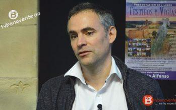 """VIDEO: Enrique del Barrio presenta su primer libro """"Testigos y Vigías"""""""