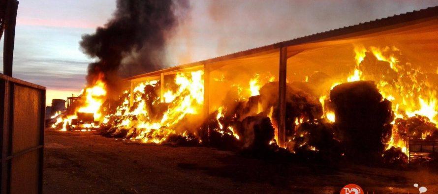 Incendio en una explotación ganadera en Quintanilla del Monte