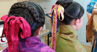 """""""Peinados de otro siglo"""" en el taller realizado por la A.C. Son de los Valles de Benavente"""