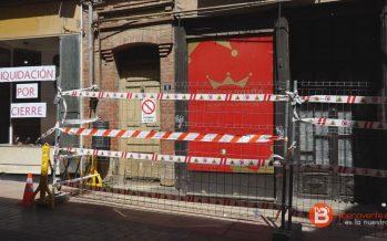 Instalado el vallado de la vivienda en ruinas de la Calle La Rúa