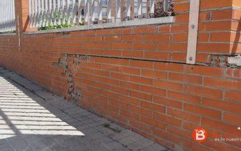 El muro de la estación de autobuses en una situación muy delicada