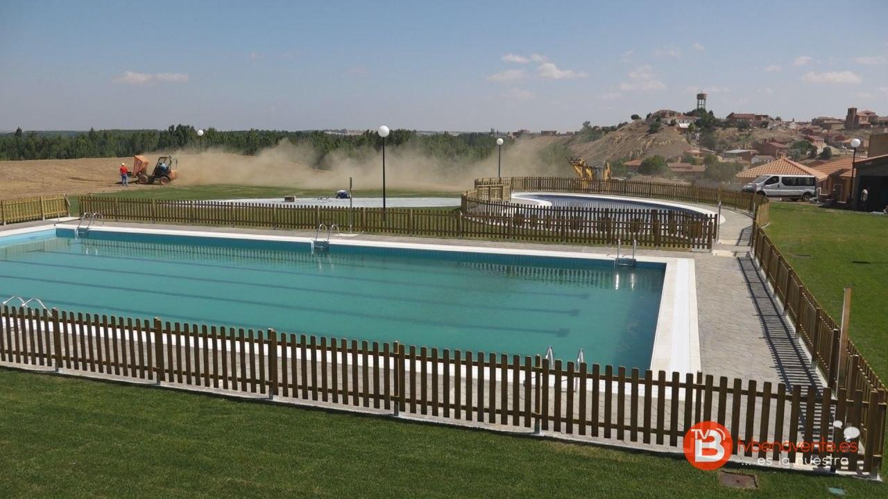 Apertura de las piscinas de castrogonzalo con puertas abiertas for Piscina navalcarnero