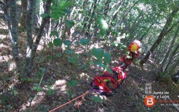 Rescatada una mujer de 49 años en la ruta de la cascada de Sotillo