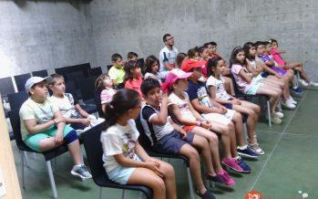 Los participantes del Campamento Urbano visitan el CIR de Benavente