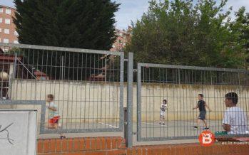 Patios escolares y pistas deportivas habilitadas para el verano