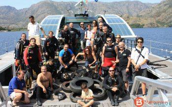 100 kilos de basura en la jornada de limpieza del Lago de Sanabria